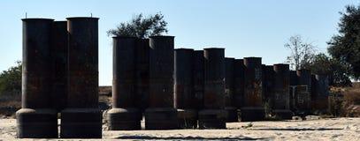 Oude stapels van oude geruïneerde pijler stock fotografie