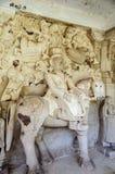 Oude steen gebogen beeldhouwwerken van Hindoese Goden en godin Royalty-vrije Stock Foto