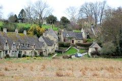 Oude steenhuizen in Engels plattelandslandschap Stock Fotografie