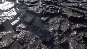 Oude steenplakken bij de waterval stock footage
