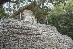 Oude steenstructuur bij Mayan Ruïnes van Coba, Mexico royalty-vrije stock fotografie