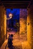 Oude steets van Heilige Paul de Vence in de nacht Stock Fotografie