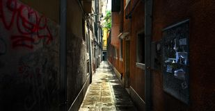 Oude stegen van Venetië Smalle straten royalty-vrije stock foto's