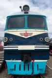 Oude stijl diesel elektrische trein Royalty-vrije Stock Fotografie