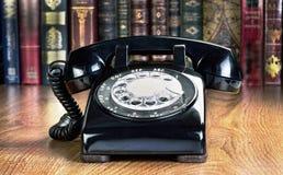 Oude stijl roterende telefoon stock afbeeldingen