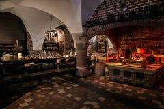 oude middeleeuwse kasteelkeuken met materiaal stock foto afbeelding 65521641