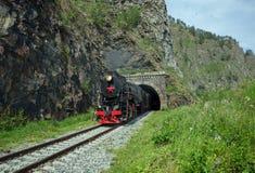 Oude stoomlocomotief in de Spoorweg circum-Baikal royalty-vrije stock afbeeldingen
