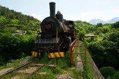 Oude stoommotor in Bosnia stock fotografie