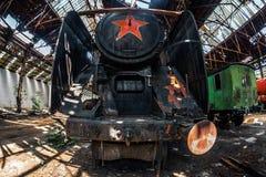 Oude stoomtrein bij depot royalty-vrije stock afbeelding
