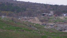 Oude stortplaats Reusachtige invironmental verontreiniging stock footage
