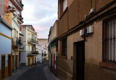 Oude straat in dageraad Merida Stock Fotografie
