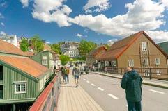 Oude straat en brug in Trondheim Royalty-vrije Stock Afbeeldingen