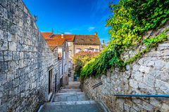 Oude straat in Kroatië, Vis-eiland royalty-vrije stock afbeeldingen