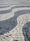 Oude straat in Lissabon royalty-vrije stock fotografie