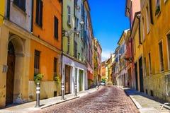 Oude straat in Parma, Emilia-Romagna royalty-vrije stock fotografie