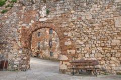 Oude straat in Rosignano Marittimo, Leghorn, Toscanië, Italië Stock Afbeelding