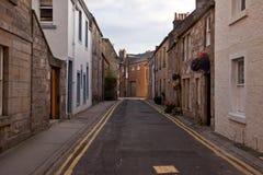 Oude straat in St Andrews, Schotland, het UK stock afbeeldingen