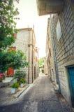 Oude straten van Tivat Porto Montenegro royalty-vrije stock foto