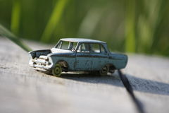 Oude stuk speelgoed auto Stock Afbeelding