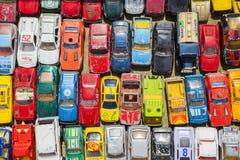 Oude stuk speelgoed auto's stock foto