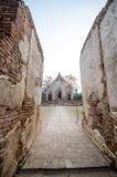 Oude Tempel in het historische die park van Phichit, Thailand met rode Baksteen wordt gemaakt Royalty-vrije Stock Afbeeldingen