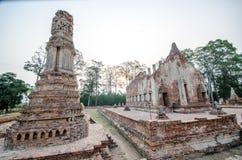 Oude Tempel in het historische die park van Phichit, Thailand met rode Baksteen wordt gemaakt Stock Afbeeldingen