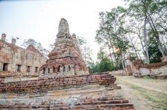Oude Tempel in het historische die park van Phichit, Thailand met rode Baksteen wordt gemaakt Royalty-vrije Stock Foto's