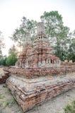 Oude Tempel in het historische die park van Phichit, Thailand met rode Baksteen wordt gemaakt Royalty-vrije Stock Fotografie