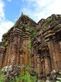 Oude tempel op de wildernis royalty-vrije stock afbeelding