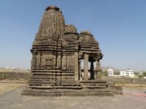 Oude tempelarchitectuur - Gondeshwar-tempel stock fotografie