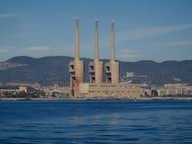 Oude thermische krachtcentrale van de Besos-rivier in Barcelona royalty-vrije stock afbeeldingen