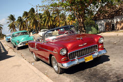 Oude tijdopnemerauto's in Cuba Varadero Stock Foto's