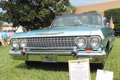 Oude toont de Chevrolet-Impala Auto bij de auto Stock Fotografie