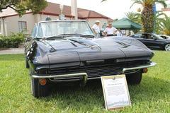 Oude toont de Chevrolet-Korvet Auto bij de auto Stock Afbeeldingen
