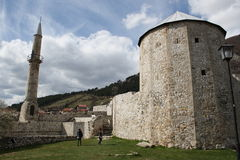 Oude toren in de stad van Travnik stock afbeelding