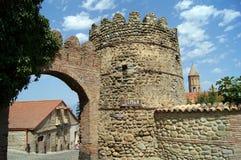 Oude toren in de stadsingang, Signagi Stock Foto's
