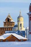 Oude Toren en Klokketoren in de winter stock foto's