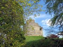 Oude toren op een heuvel Stock Foto