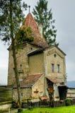 Oude toren in sighisoara stock afbeeldingen
