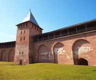 Oude torens van Novgorod het Kremlin stock fotografie
