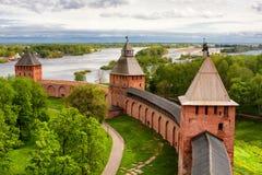 Oude torens van Novgorod het Kremlin, Rusland Stock Foto