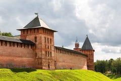 Oude torens van Veliky Novgorod het Kremlin Stock Foto's