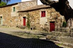 Oude traditionele huizen in het historische dorp van Idanha een Velha in Portugal; Concept voor reis in Portugal Stock Foto