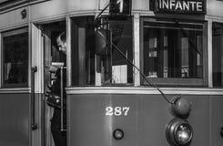 Oude tram in porto stad van Portugal met de bestuurder royalty-vrije stock foto