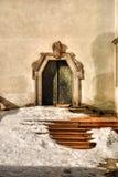 Oude treden en poort Stock Afbeeldingen