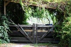Oude tuinpoort Royalty-vrije Stock Afbeeldingen
