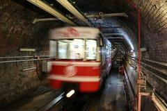 Oude Tunnellijn in de stad van Istanboel Royalty-vrije Stock Foto's