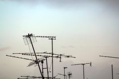 Oude TV-antennes stock foto's