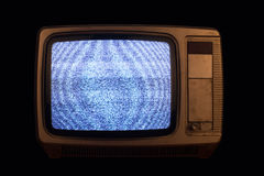Oude TV zonder signaalbeeld op zwarte achtergrond Stock Foto