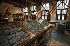 Oude typografische machines binnen het drukmuseum van plantin-Moretus, Unesco-de Plaats van de Werelderfenis royalty-vrije stock foto's